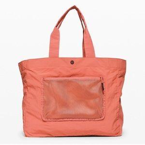 Lululemon Pack the Pocket Tote 20L Bag
